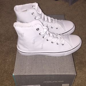 PAM CANVAS HIGH TOPS SIZE 9